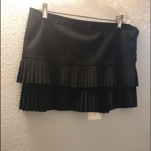 BCBG pleated mini skirt size 10